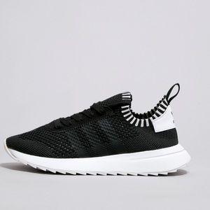 Adidas Originals Black & White Runners- Size 6